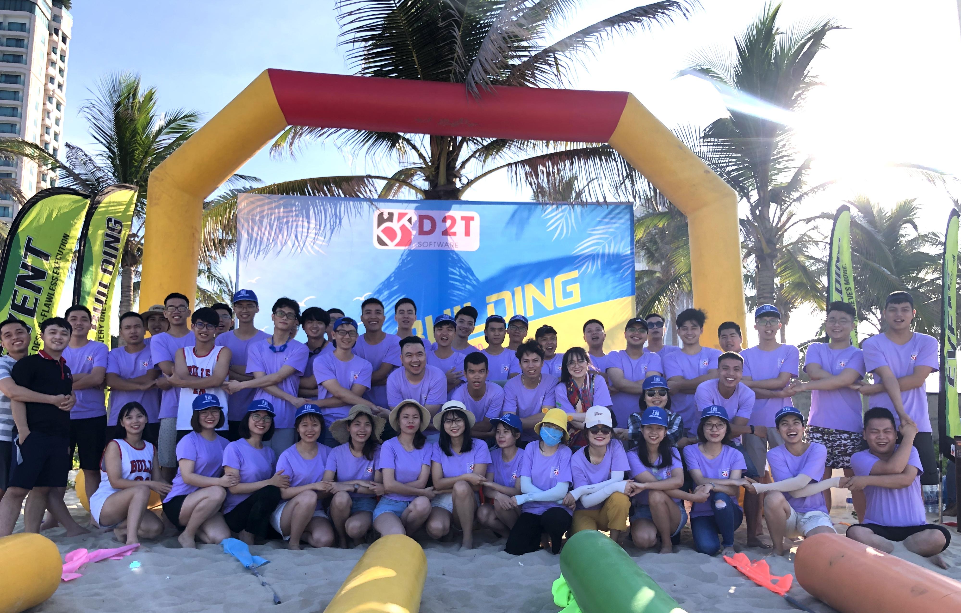Teambuilding tại biển Mỹ Khê - Đà Nẵng